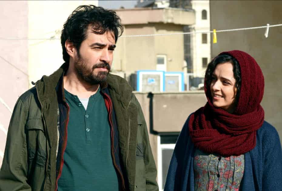 Shahab Hosseini and Taraneh Alidoosti arrive to look around their new apartment.