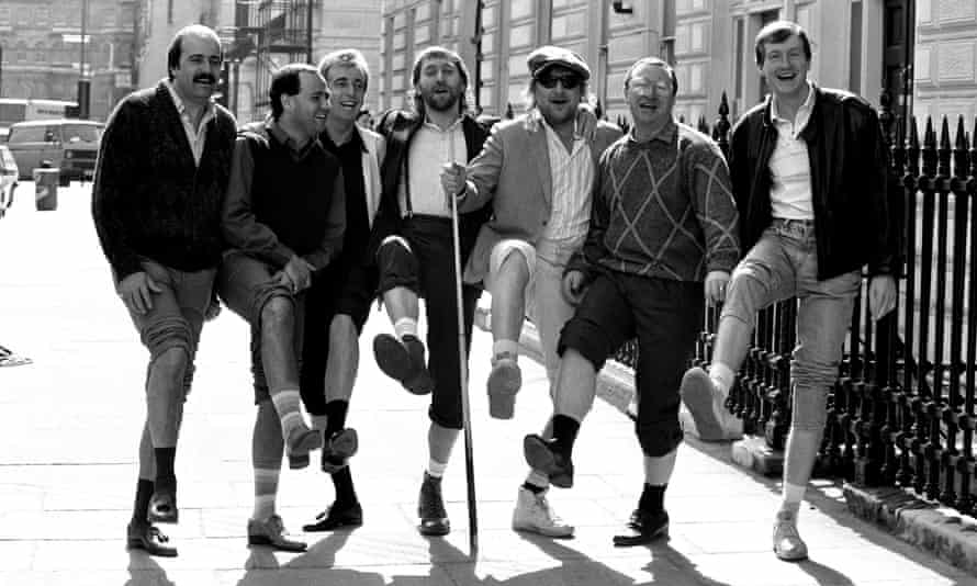Chas & Dave join Willie Thorne, Tony Meo, Terry Griffiths, Dennis Taylor and Steve Davis to promote Snooker Loopy.