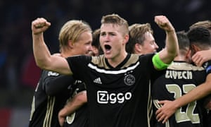 Matthijs de Ligt and his Ajax teammates celebrate the win against Benfica