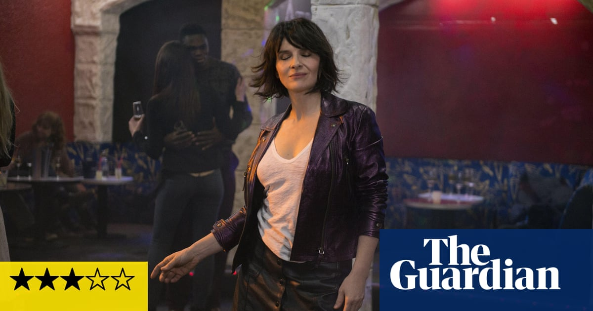 Let The Sunshine In Review A Departure For Claire Denis Film