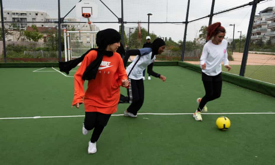 Les Hijabeuses training at Montreuil football pitch, in the suburbs of Paris.
