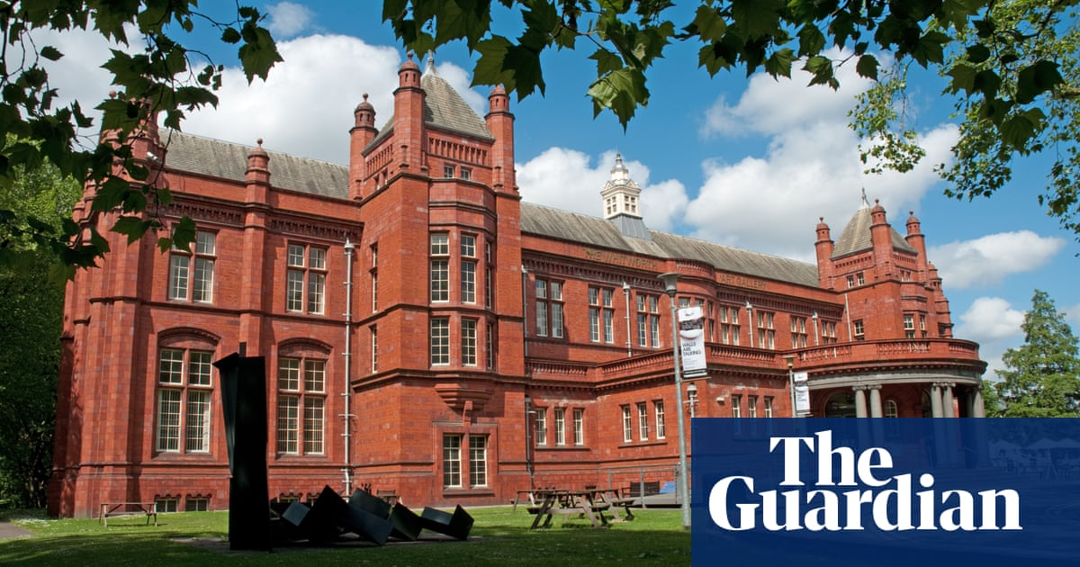 Artists pull work from Whitworth gallery after Palestine statement removal
