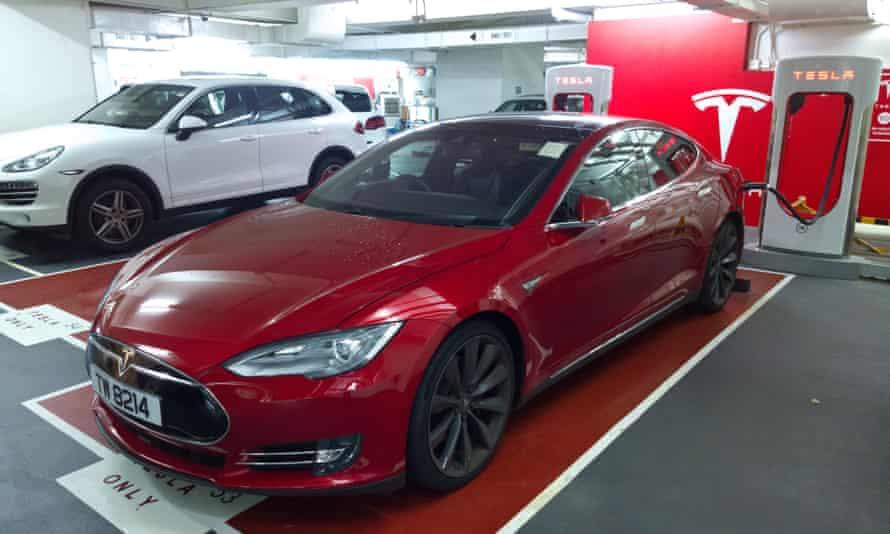Telsa EV car charging