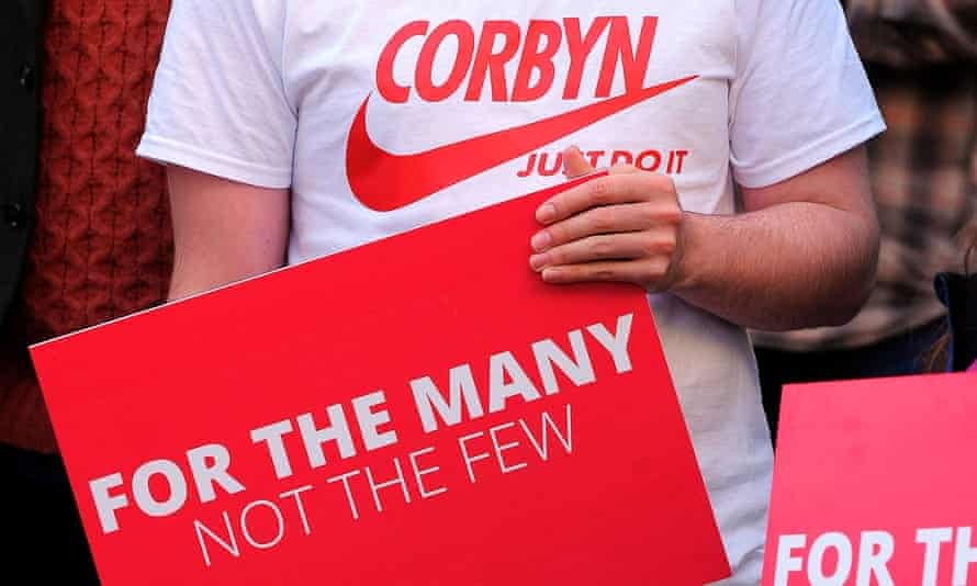 Labour supporter in Corbyn T-shirt