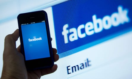 Facebook is undermining traditional publishers' business models, a report from the Reuters Institute for the Study of Journalism has said.