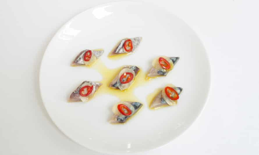 Salty-sour tension: cured mackerel with olive oil and chilli.