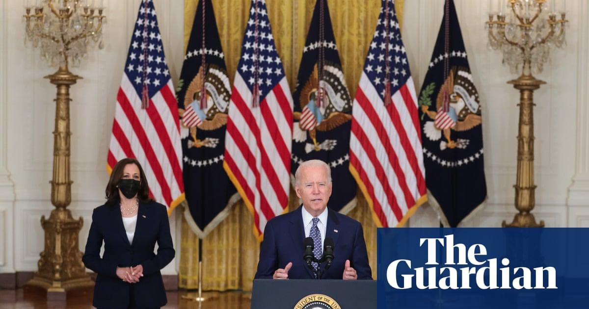 Biden hails Senate passage of giant $1tn bipartisan infrastructure bill