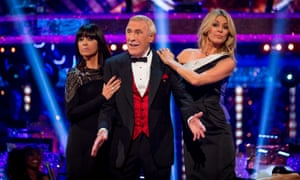 Sir Bruce Forsyth with Claudia Winkleman and Tess Daly on Strictly Come Dancing in 2014.