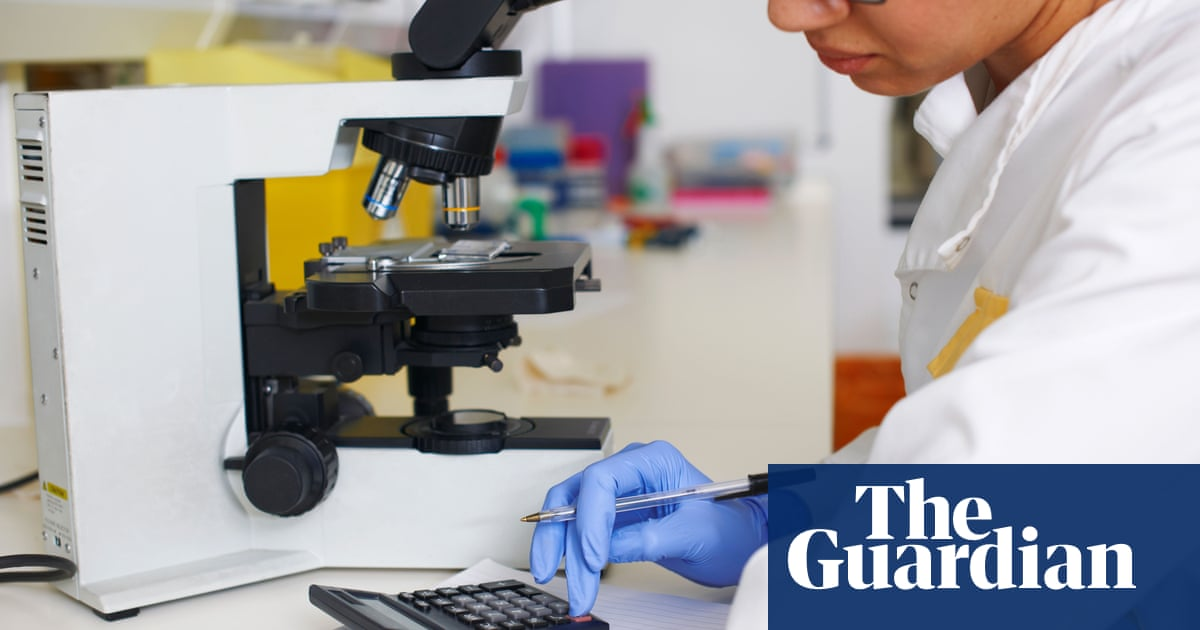 Sunak cuts £2bn from R&D budget but will fund Cummings science agency