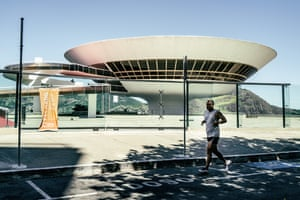 The museum designed by Oscar Niemeyer in Niteroi, closed because of the virus