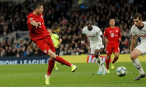 Robert Lewandowski makes it look easy as he sidefoots in his second, and Bayern Munich's sixth goal.