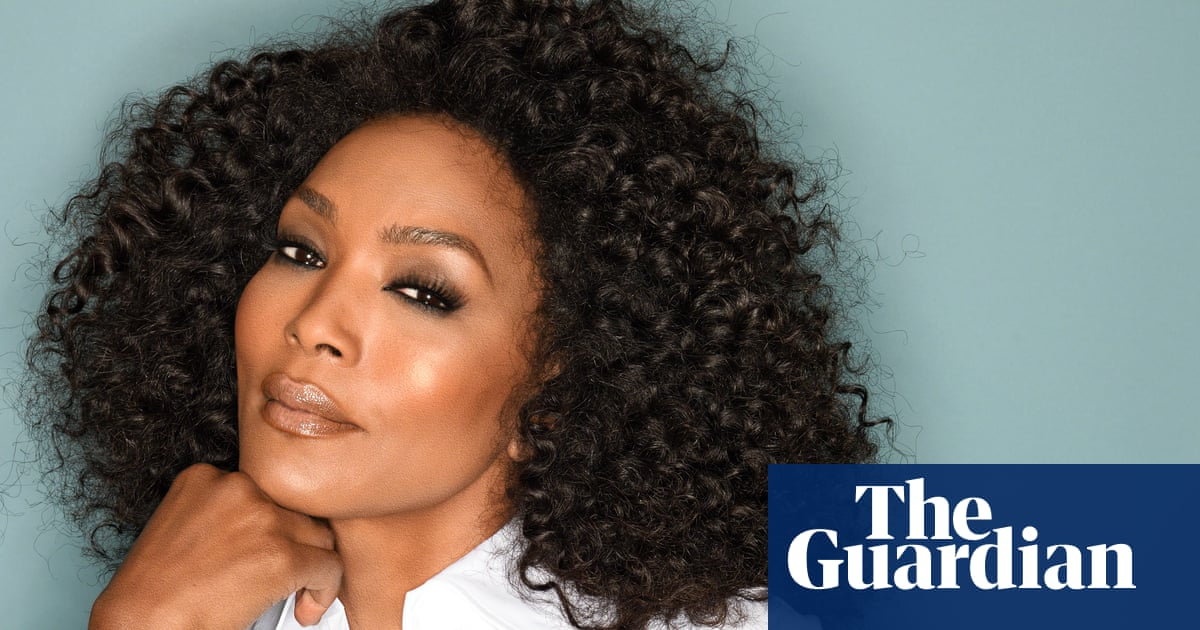 Angela Bassett on success, salaries and staying power: 'I gotta find a new queen to play!'