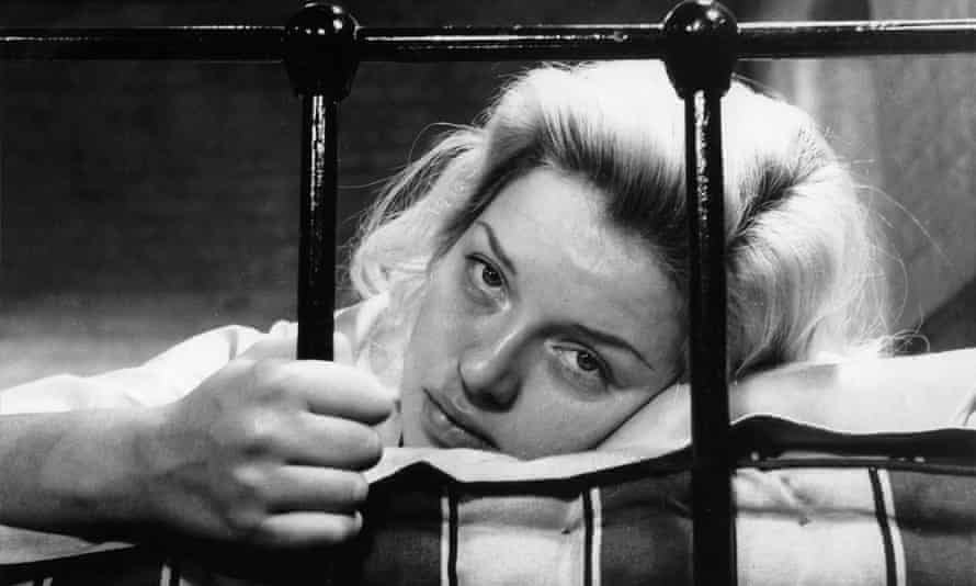Diana Dors as Mary Hilton in Yield to the Night.