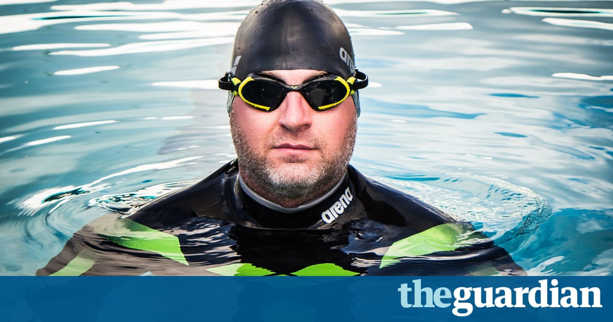 74b1c4afd69e The wetsuit designed to make him invisible to sharks appears to have worked  – but a British man has nevertheless had to call off his bid to become the  first ...