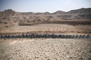 The pack during the fourth stage of the Saudi Tour from Wadi Namar park to Al Muzahimiyah King Saud university.