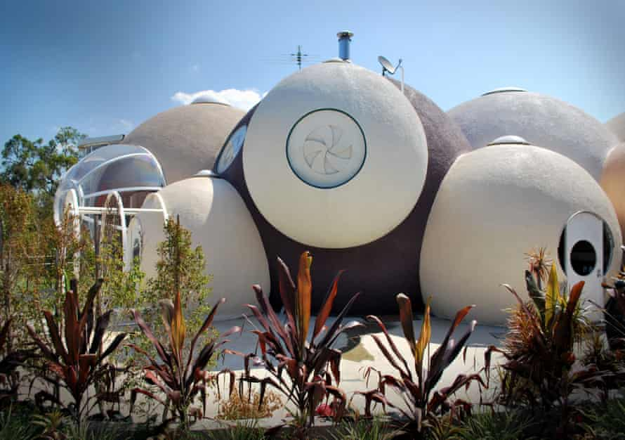 Bubble House, Karalee Queensland by Birchall & Partners Architects.