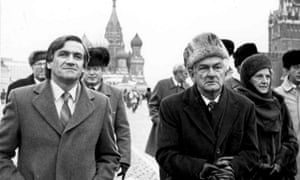 Barrie Cassidy with the then prime minister Bob Hawke in Red Square on the way to the Kremlin in 1987.