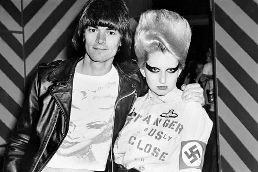 Dee Dee Ramone with Jordan, one of the original English punks of the 'Bromley Contingent', in London, July 1976.