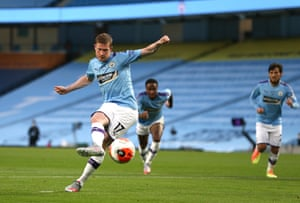 De Bruyne scores his team's second goal from the penalty spot.