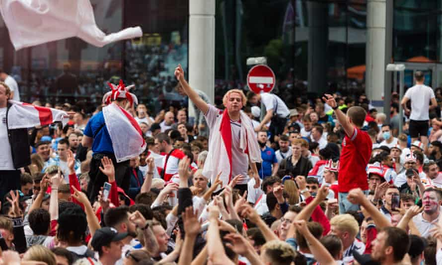 Crowds outside Wembley stadium