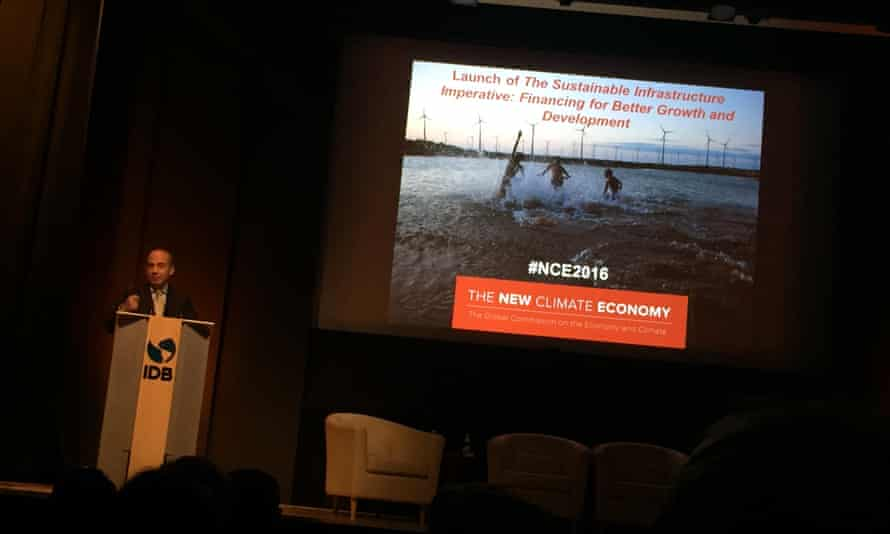 Former Mexican President Felipe Calderón addresses launch of the New Climate Economy's 2016 report on 'The Sustainable Infrastructure Imperative', on Thursday, October 6, in Washington, DC. The report is online at: http://newclimateeconomy.report/2016