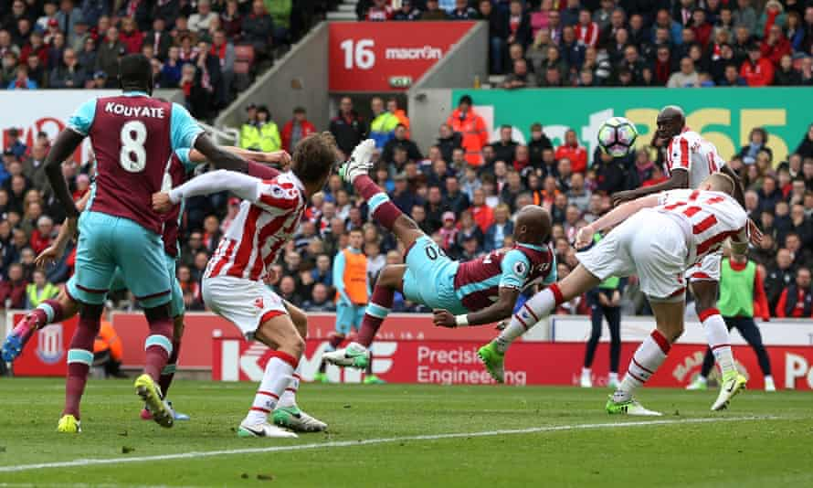 Stoke City v West Ham United - Premier League - APRIL 29: West Ham United's Andre Ayew goes close with a first half overhead kick at the Bet365 Stadium