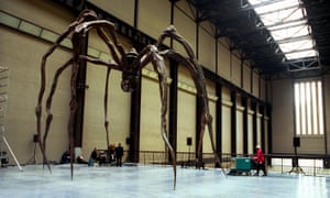 Louise Bourgeois's Maman (1999) was displayed at Tate Modern's opening in 2000