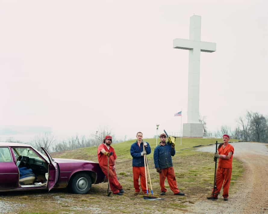 Fort Jefferson Memorial Cross, Wickliffe, Kentucky 2002, from Alec Soth's Sleeping By the Mississippi