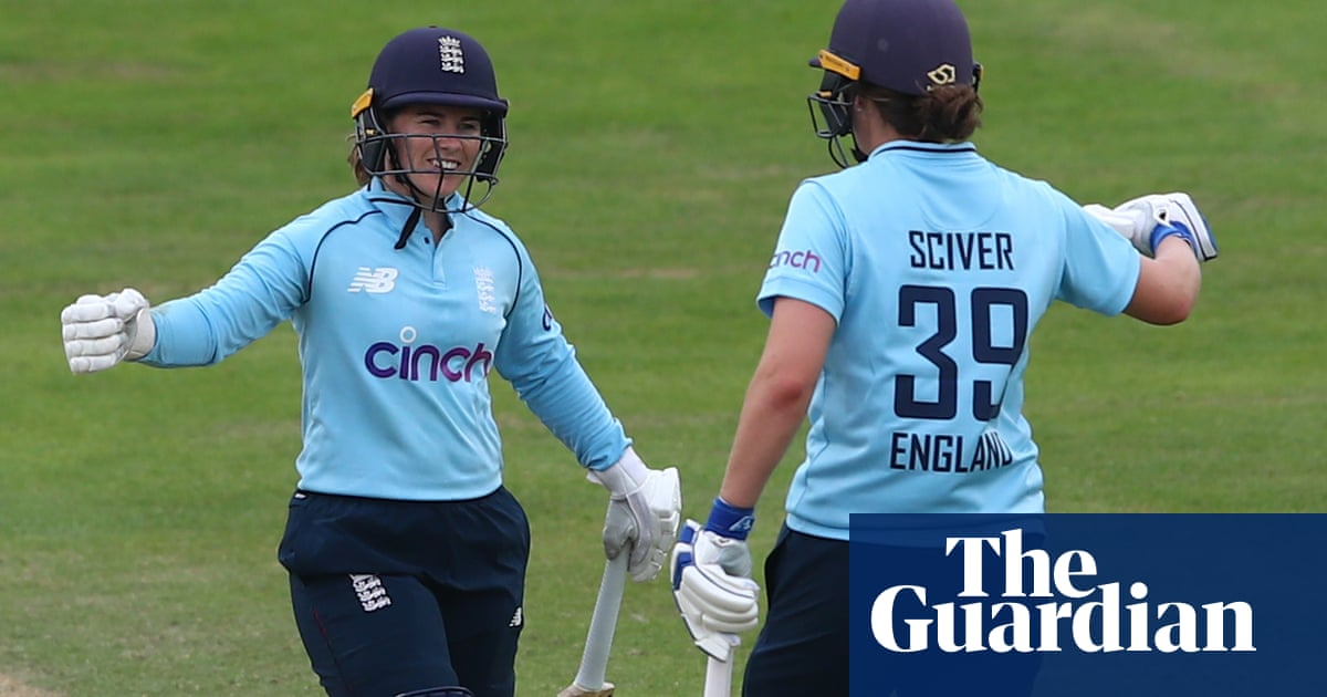 Tammy Beaumont and Nat Sciver guide England to eight-wicket win over India