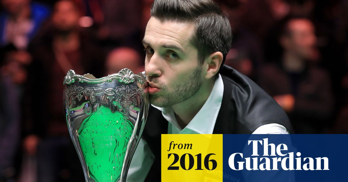 Mark Selby holds off Ronnie O'Sullivan to win second UK ...