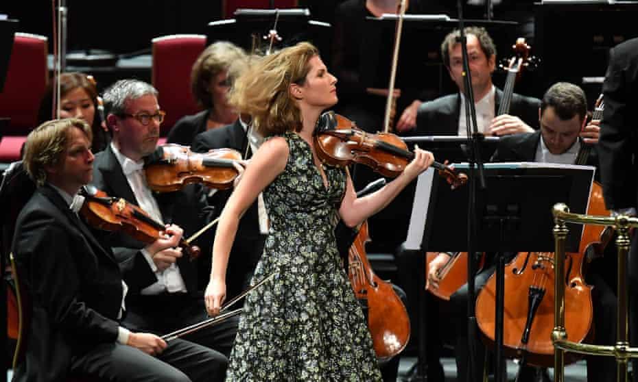 Lisa Batiashvili performs Sibelius' Violin Concerto in D minor with the Staatskapelle Berlin.