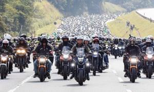 Huge cavalcade of motorbikes