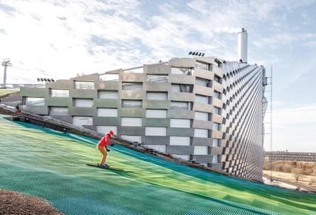 the £485m Amager Resource Centre in Copenhagen