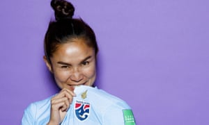 The Fiver wonders how it would pose for one of these shiny Fifa portrait shots? Badly, in all likelihood, unlike Thailand skipper Sunisa Srangthaisong.