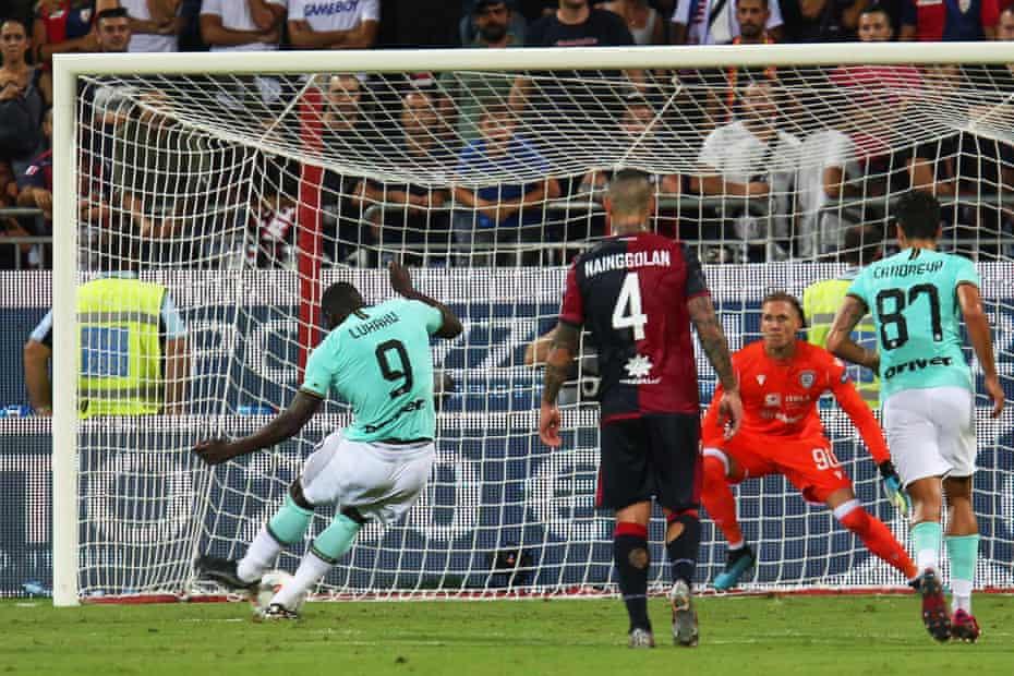 Romelu Lukaku scores from the penalty spot.