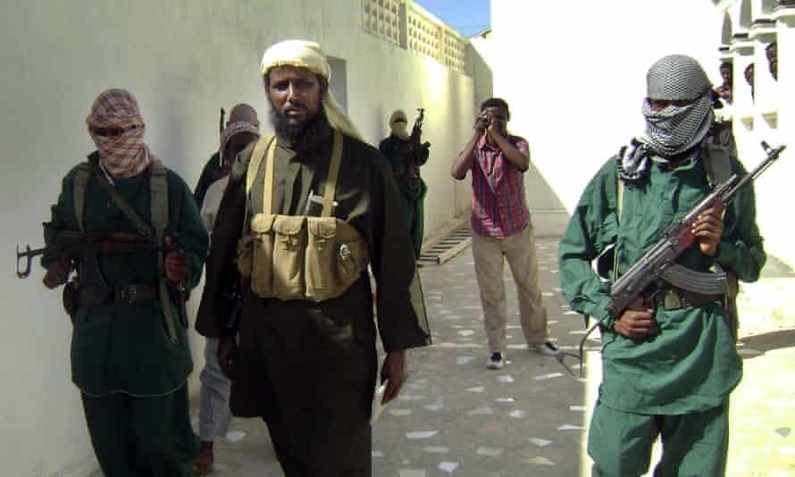 Robow Abu Mansur
