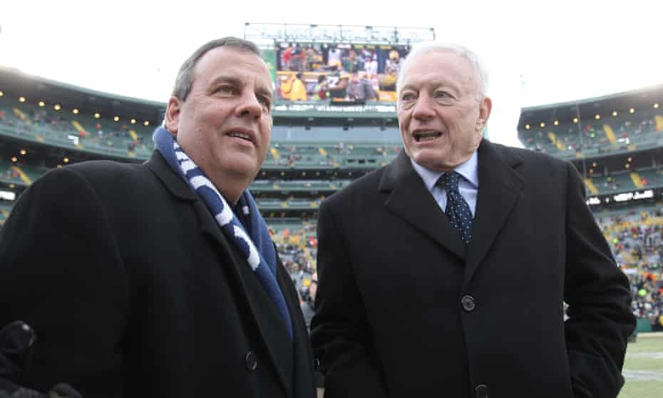 Dallas Cowboys owner Jerry Jones contributed $202,700 toward Chris Christie's presidential run.