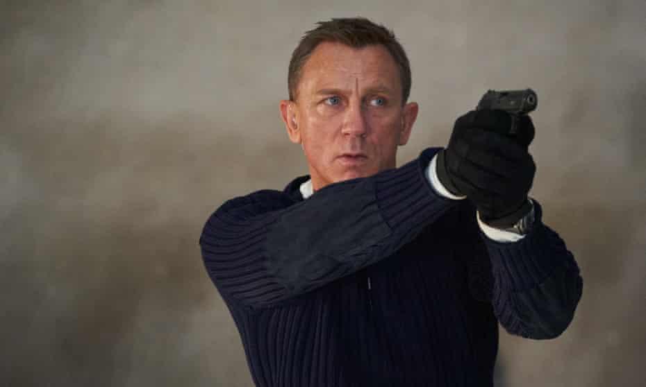 James Bond (Daniel Craig) in No Time To Die.
