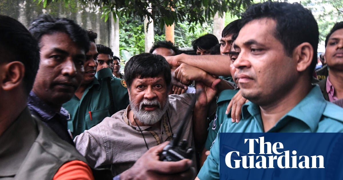 Bangladesh struggles to contain mass road-safety protests