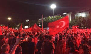 Turkey coup attempt: Erdoğan demands US arrest exiled cleric Gülen amid crackdown on army – as it happened