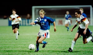 Carin Jennings-Gabarra of the USA dribbles up the pitch during their semi-final match against Germany at the inaugural FIFA World Championship for Women's Football in 1991.