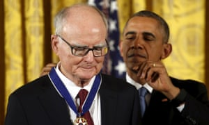 Barack Obama presents the Presidential Medal of Freedom to William Ruckelshaus in November 2015.