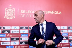 Oh look, it's another Luis Rubiales press conference to announce a change of manager.