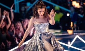 Lorde performs onstage during the 2017 MTV Video Music Awards