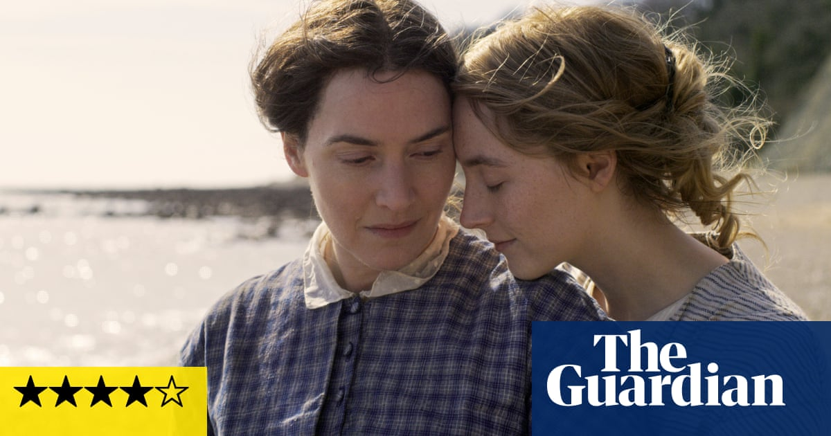 Ammonite review – Kate Winslet and Saoirse Ronan find love among the fossils
