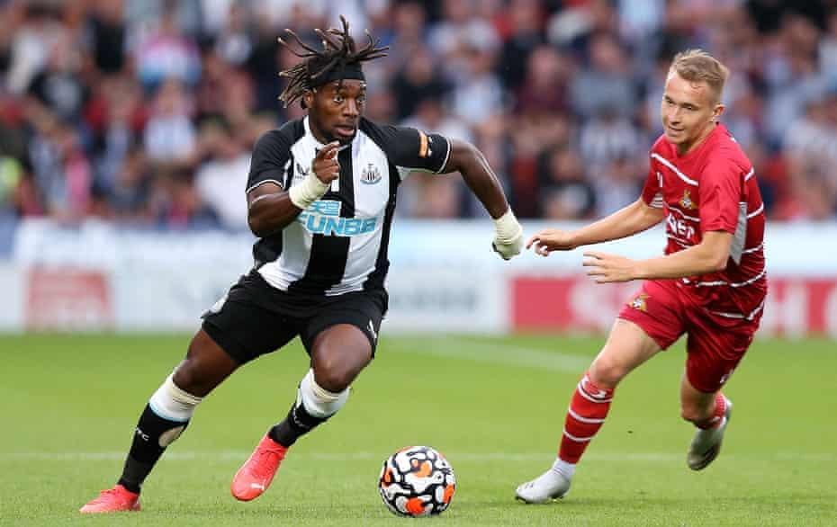 Alan Saint-Maxim dapat mengubah permainan dengan triple di Newcastle.