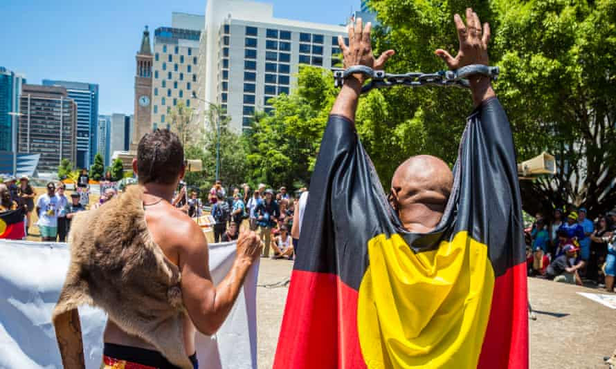 Crowds protesting Indigenous deaths in custody during the G20