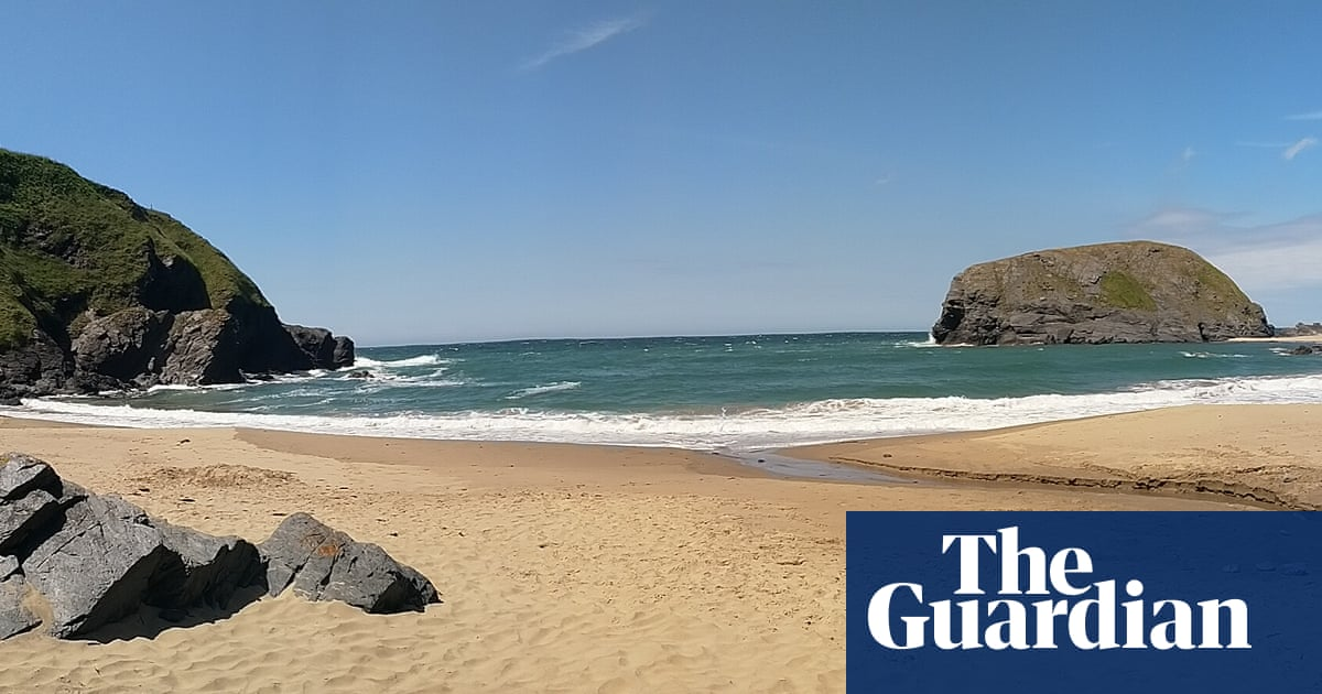 'It's just like the Caribbean': readers on eight beautiful, tranquil British beaches