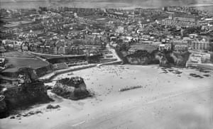 The Island and Towan Sands, Newquay, 1932