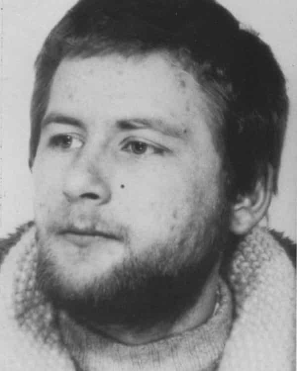 A hair found at the scene was later identified as belonging to Wolfgang Grams, a Red Army Faction member.